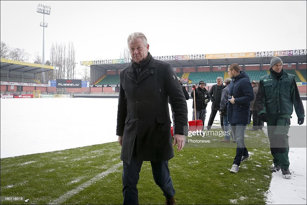Peter Maes pictured at the Daknam stadium covered in snow before the Jupiler League match between Sporting Lokeren and RSC Anderlecht on January 26, 2013 in Lokeren, Belgium. Photo by Jan De Meuleneir/Photonews via Getty Images)