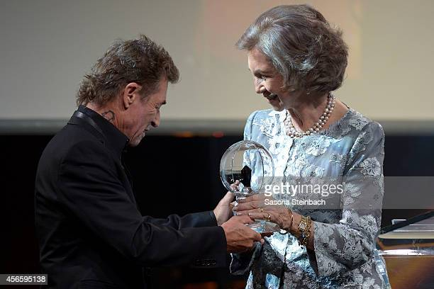 Peter Maffay honors Queen Sofia of Spain with the 'Steiger Award 2014' at Heinrichshuette on October 3 2014 in Hattingen Germany