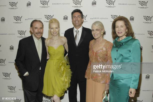 Peter Max Mary Max Wayne Pacelle Frances Hayward and Judy Ney attend Humane Society of the United States' MAKE HISTORY GALA at Pierre Hotel on...