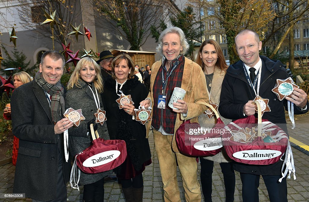 Peter Mey, Candy Pomp, Prinzessin Ursula von Bayern, Thomas Gottschalk, Sunny Randlkofer and Florian Randlkofer during the 21th BMW advent charity concert at Jesuitenkirche St. Michael on December 10, 2016 in Munich, Germany.