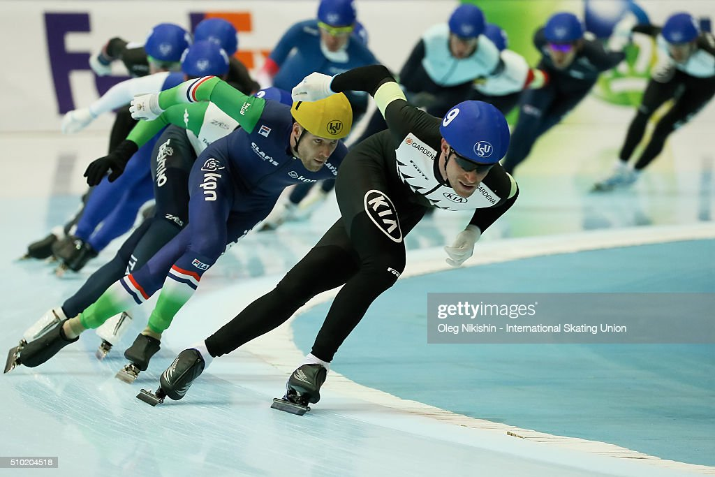 #9 Peter Michael of New Zealand and #1 Arjan Stroetinga of Netherlands compete in the men's mass start race during day 4 of the ISU World Single Distances Speed Skating Championships held at Speed Skating Centre Kolomna Ice Arena on February 14, 2016 in Kolomna, Russia.