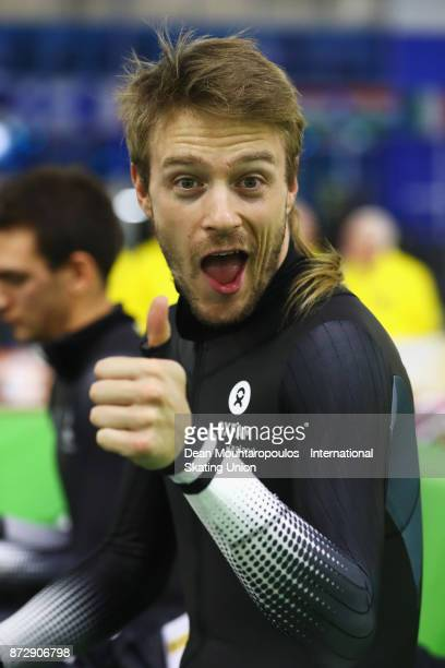 Peter Michael of New Zealand gets ready to compete in the mens Mass Start with a big thumbs up on day two during the ISU World Cup Speed Skating held...