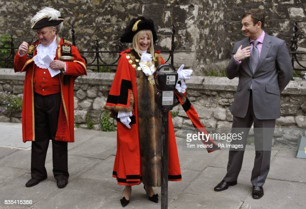 Peter Moore the Town Crier of Westminster the Lord Mayor of London and Cllr Danny Chalkey perform a ceremony in Warwick Square ahead of the removal...