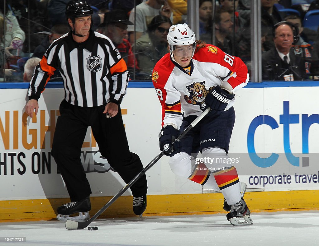 Peter Mueller #88 of the Florida Panthers skates against the New York Islanders at the Nassau Veterans Memorial Coliseum on March 24, 2013 in Uniondale, New York.