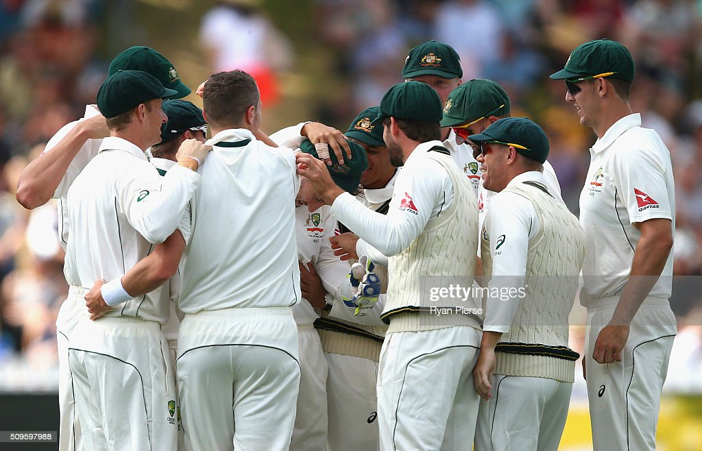 <a gi-track='captionPersonalityLinkClicked' href=/galleries/search?phrase=Peter+Nevill&family=editorial&specificpeople=6755208 ng-click='$event.stopPropagation()'>Peter Nevill</a> of Australia is congratulated by his team after taking a catch to dismiss Kane Williamson of New Zealand off the bowling of Peter Siddle of Australia during day one of the Test match between New Zealand and Australia at Basin Reserve on February 12, 2016 in Wellington, New Zealand.