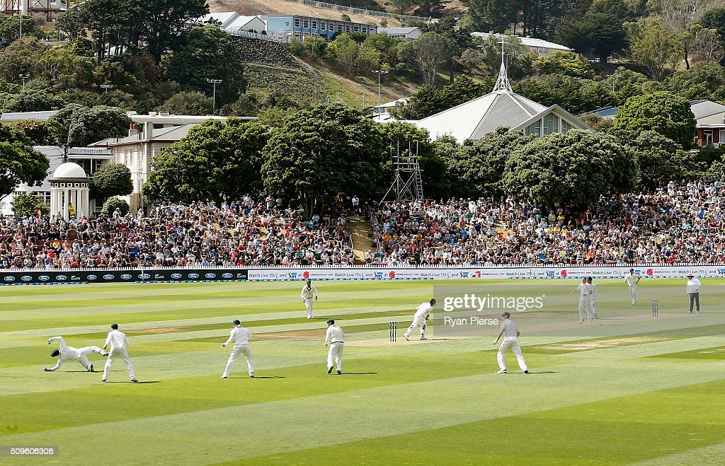 <a gi-track='captionPersonalityLinkClicked' href=/galleries/search?phrase=Peter+Nevill&family=editorial&specificpeople=6755208 ng-click='$event.stopPropagation()'>Peter Nevill</a> of Australia takes a catch to dismiss <a gi-track='captionPersonalityLinkClicked' href=/galleries/search?phrase=Kane+Williamson&family=editorial&specificpeople=4738503 ng-click='$event.stopPropagation()'>Kane Williamson</a> of New Zealand off the bowling of <a gi-track='captionPersonalityLinkClicked' href=/galleries/search?phrase=Peter+Siddle&family=editorial&specificpeople=2104718 ng-click='$event.stopPropagation()'>Peter Siddle</a> of Australia during day one of the Test match between New Zealand and Australia at Basin Reserve on February 12, 2016 in Wellington, New Zealand.