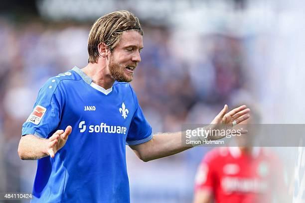 Peter Niemeyer of Darmstadt reacts during the Bundesliga match between SV Darmstadt 98 and Hannover 96 at MerckStadion am Boellenfalltor on August 15...