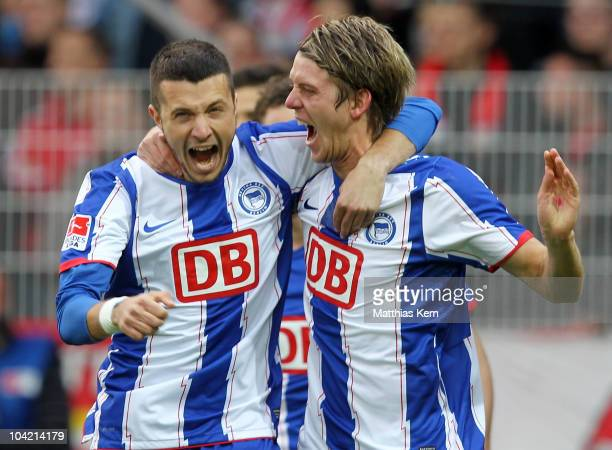 Peter Niemeyer of Hertha jubilates with team mate Nikita Rukavytsya after scoring the first goal during the Second Bundesliga match between 1FC Union...