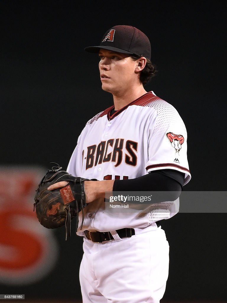 Peter O'Brien #14 of the Arizona Diamondbacks gets ready to make a play against the Philadelphia Phillies at Chase Field on June 27, 2016 in Phoenix, Arizona.