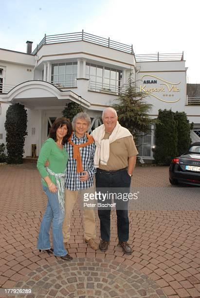 Peter Orloff Ehefrau Sieglinde Volkert Klaucke 'Aslan'Kurpark Villa' Olsberg Sauerland NordrheinWestfalen Deutschland Europa Sänger Schlagersänger