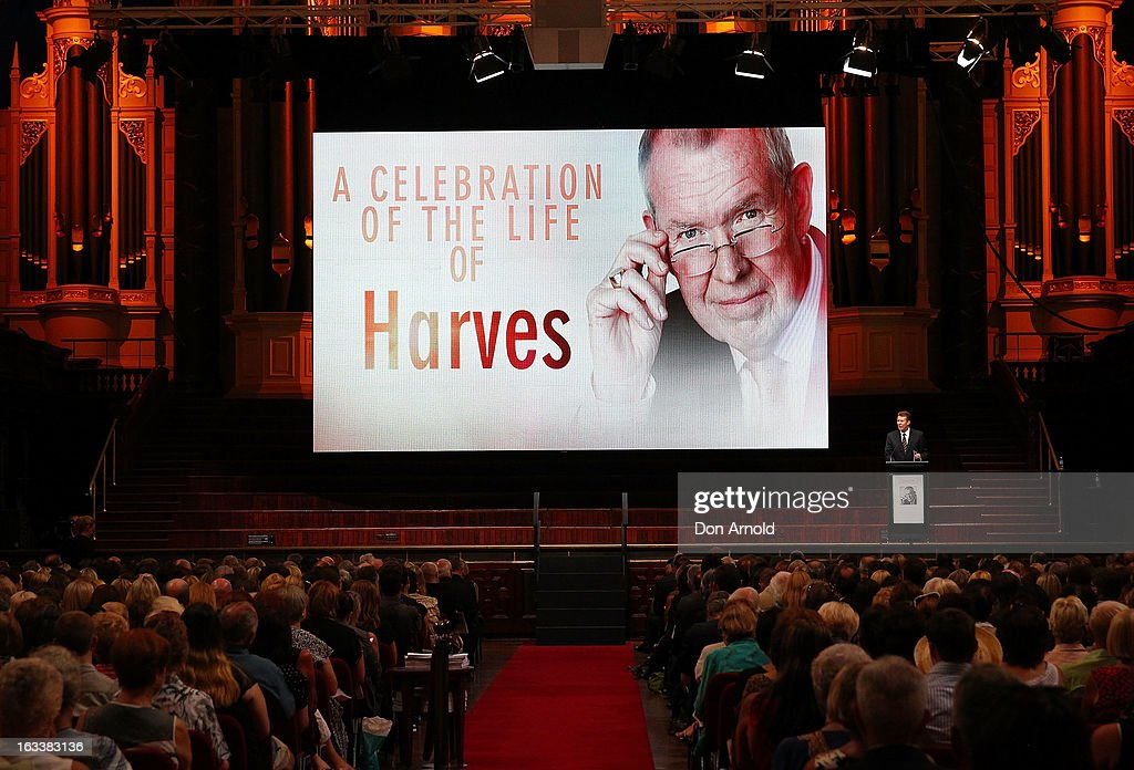 <a gi-track='captionPersonalityLinkClicked' href=/galleries/search?phrase=Peter+Overton&family=editorial&specificpeople=223969 ng-click='$event.stopPropagation()'>Peter Overton</a> addresses attendees at the public memorial for Peter Harvey at Sydney Town Hall on March 9, 2013 in Sydney, Australia. Television journalist Peter Harvey, died in Sydney on March 2 aged 68 after a battle with pancreatic cancer.