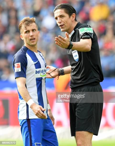 Peter Pekarik of Hertha BSC and referee Deniz Aytekin during the game between Hertha BSC and Bayer 04 Leverkusen on may 20 2017 in Berlin Germany