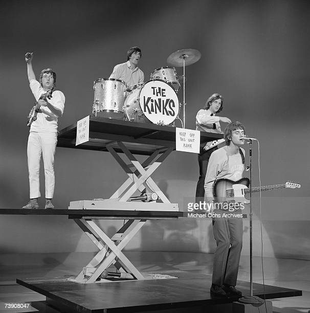 Peter Quaife Mick Avory Dave Davies Ray Davies of the rock group 'The Kinks' perform on the 'Shindig' television show on January 20 1965 in Los...
