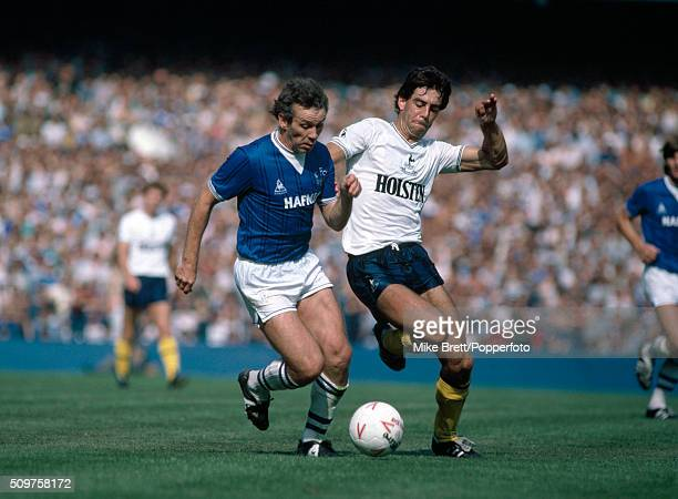 Peter Reid of Everton and Gary Stevens of Tottenham Hotspur in action during their First Division match at Goodison Park in Liverpool on 25th August...