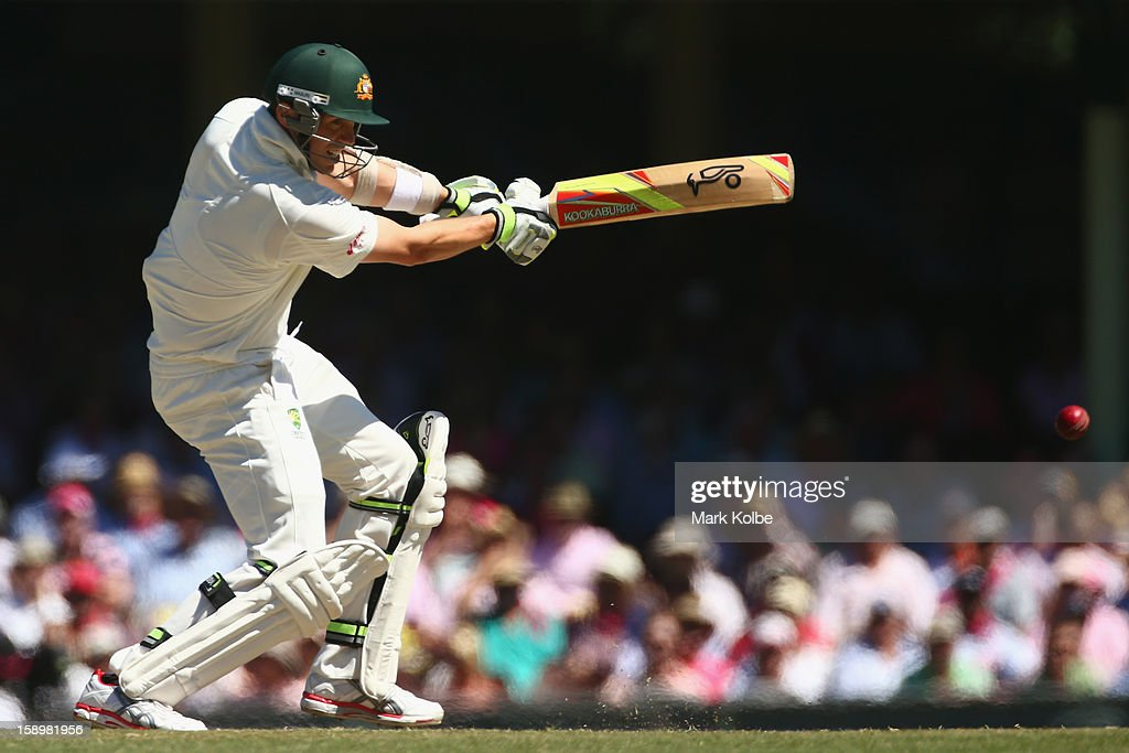 Peter Siddle of Australia bats during day three of the Third Test match between Australia and Sri Lanka at Sydney Cricket Ground on January 5, 2013 in Sydney, Australia.