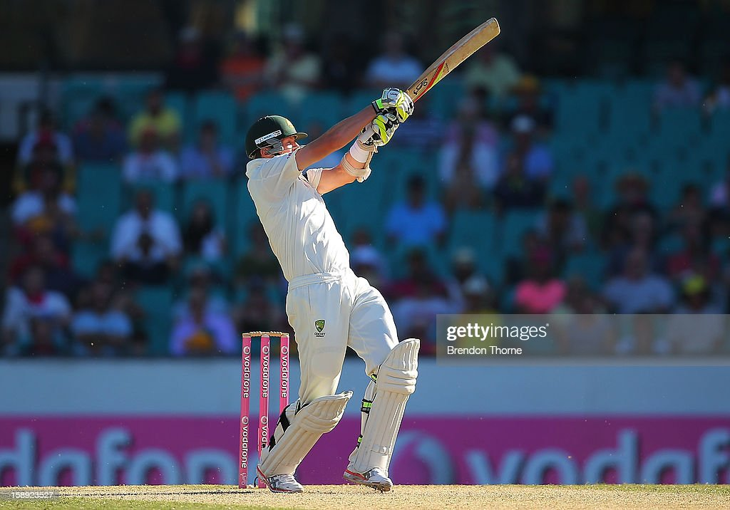 Peter Siddle of Australia bats during day two of the Third Test match between Australia and Sri Lanka at Sydney Cricket Ground on January 4, 2013 in Sydney, Australia.