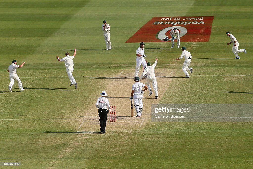 Peter Siddle of Australia celebrates dismissing Rory Kleinveldt of South Africa during day five of the Second Test Match between Australia and South Africa at Adelaide Oval on November 26, 2012 in Adelaide, Australia.