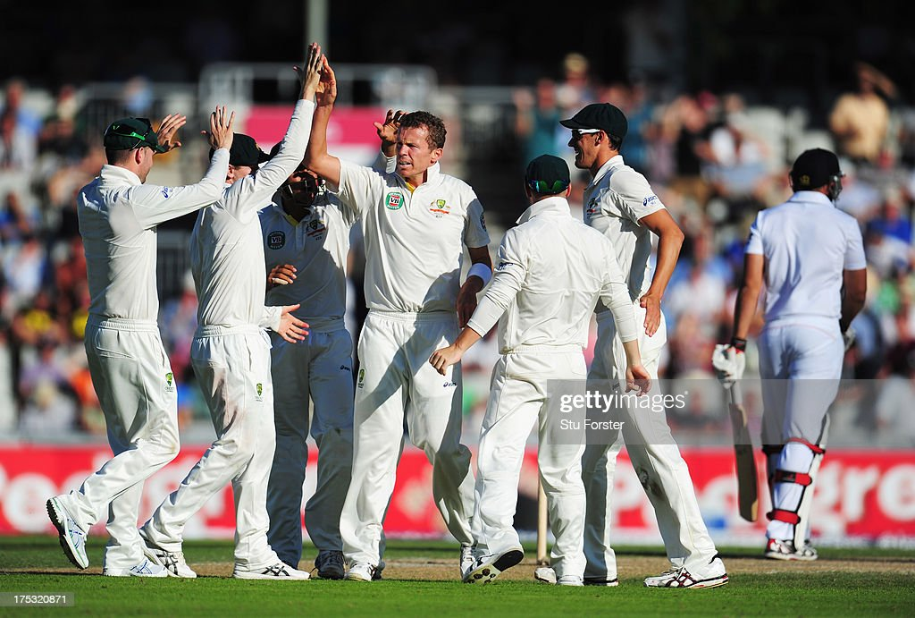 <a gi-track='captionPersonalityLinkClicked' href=/galleries/search?phrase=Peter+Siddle&family=editorial&specificpeople=2104718 ng-click='$event.stopPropagation()'>Peter Siddle</a> of Australia celebrates the wicket of <a gi-track='captionPersonalityLinkClicked' href=/galleries/search?phrase=Tim+Bresnan&family=editorial&specificpeople=571509 ng-click='$event.stopPropagation()'>Tim Bresnan</a> of England with team mates during day two of the 3rd Investec Ashes Test match between England and Australia at Emirates Old Trafford Cricket Ground on August 2, 2013 in Manchester, England.