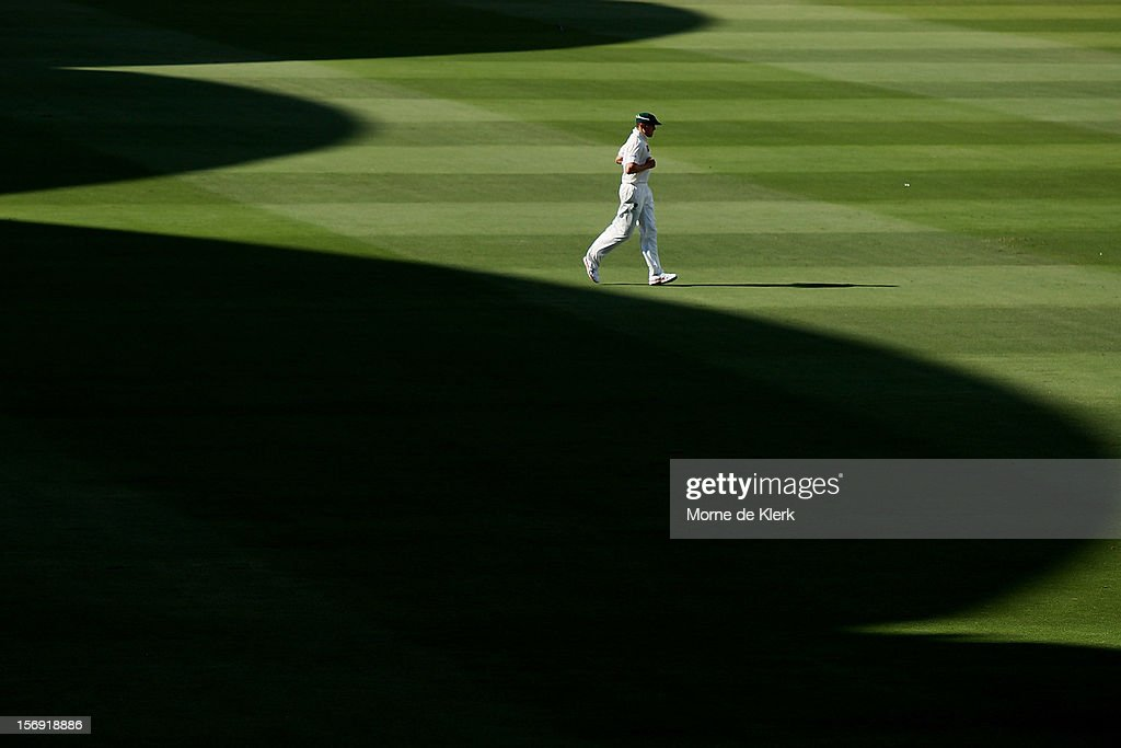 Peter Siddle of Australia walks in the outfield during day four of the Second Test Match between Australia and South Africa at Adelaide Oval on November 25, 2012 in Adelaide, Australia.