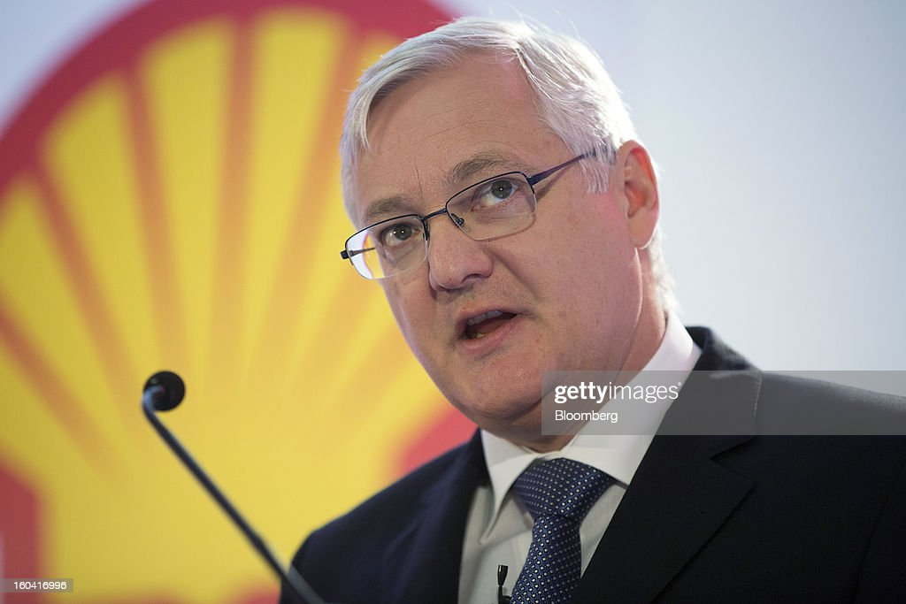 Peter Voser, chief executive officer of Royal Dutch Shell Plc, speaks during a news conference to announce the company's results in London, U.K., on Thursday, Jan. 31, 2012. Royal Dutch Shell Plc, Europe's biggest energy company, said investment will increase after fourth-quarter profit missed analyst estimates on weaker North American fuel prices. Photographer: Simon Dawson/Bloomberg via Getty Images
