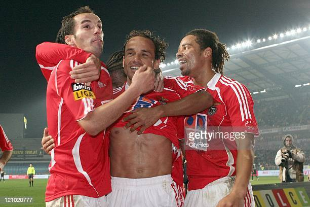 Petit Leo and Manu during the Portuguese Bwin League match between Academica de Coimbra and Benfica January 15 2007