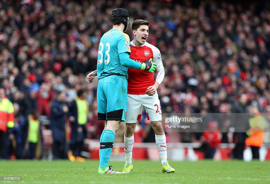<a gi-track='captionPersonalityLinkClicked' href=/galleries/search?phrase=Petr+Cech&family=editorial&specificpeople=212890 ng-click='$event.stopPropagation()'>Petr Cech</a> and Hector Bellerin of Arsenal celebrate beating Leicester City 2-1 after the Premier League match between Arsenal and Leicester City at Emirates Stadium on February 14, 2016 in London, United Kingdom.