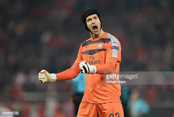 Petr Cech of Arsenal celebrates at the end of Arsenal's win in the UEFA Champions League Group F match between Olympiacos FC and Arsenal FC at...