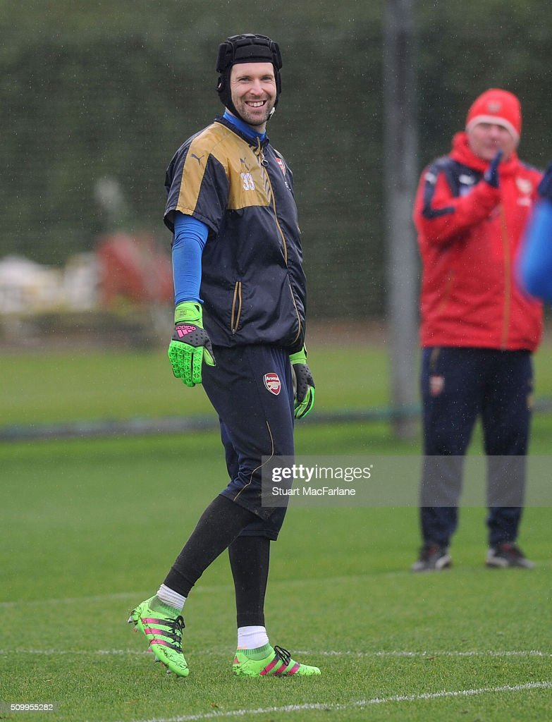 <a gi-track='captionPersonalityLinkClicked' href=/galleries/search?phrase=Petr+Cech&family=editorial&specificpeople=212890 ng-click='$event.stopPropagation()'>Petr Cech</a> of Arsenal during a training session at London Colney on February 13, 2016 in St Albans, England.