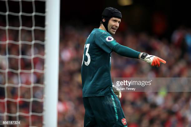Petr Cech of Arsenal gives his team instructions during the Premier League match between Arsenal and Brighton and Hove Albion at Emirates Stadium on...