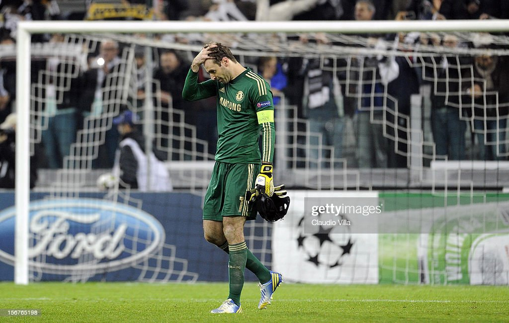 <a gi-track='captionPersonalityLinkClicked' href=/galleries/search?phrase=Petr+Cech&family=editorial&specificpeople=212890 ng-click='$event.stopPropagation()'>Petr Cech</a> of Chelsea FC dejected after the UEFA Champions League Group E match between Juventus and Chelsea FC at Juventus Arena on November 20, 2012 in Turin, Italy.