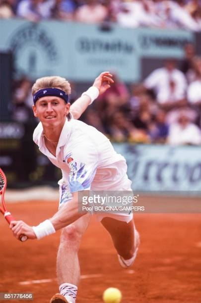 Petr Korda lors des Internationaux de France de tennis au stade RolandGarros le 7 juin 1992 à Paris France