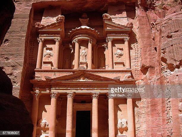 Petra, facade of treasury