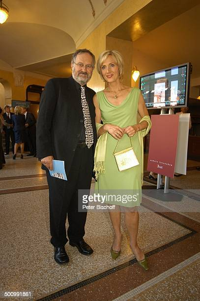 Petra Gerster mit Ehemann Christian Nürnberger 'Bayerischer Fernsehpreis 2005' Bayerische Staatskanzlei München PNr 744/2005 Preis Verleihung Ehrung...