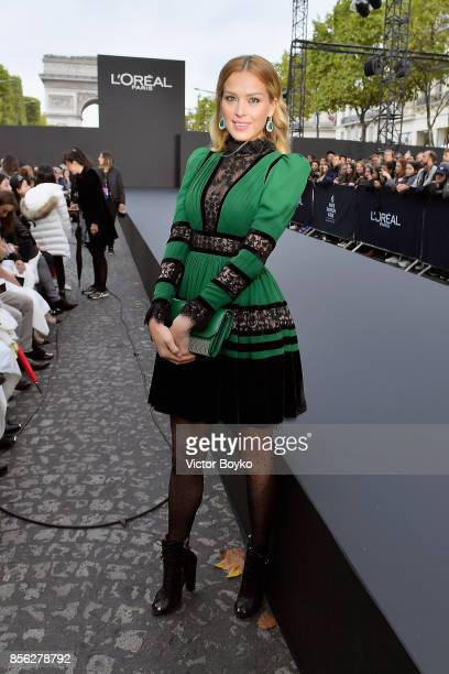 Petra Nemcova attends Le Defile L'Oreal Paris as part of Paris Fashion Week Womenswear Spring/Summer 2018 at Avenue Des Champs Elysees on October 1...