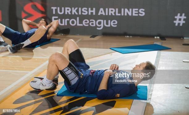 Petteri Koponen #25 of FC Barcelona Lassa warm up prior the 2017/2018 Turkish Airlines EuroLeague Regular Season Round 8 game between FC Barcelona...