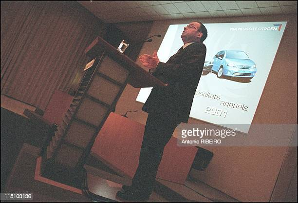 Peugeot Citroen Chief Executive Officer JeanMartin Folz presents annual results of the company in Paris France on February 13 2002
