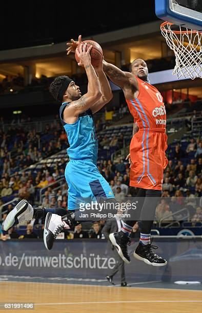 Peyton Siva of Alba Berlin and Rashad James of Cedevita Zagreb during the game between Alba Berlin and KK Cedevita Zagreb on January 18 2017 in...