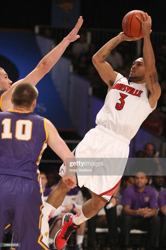 Peyton Siva #3 of the Louisville Cardinals shoots against the Northern Iowa Panthers during the Battle 4 Atlantis tournament at Atlantis Resort on November 22, 2012 in Nassau, Paradise Island, Bahamas.