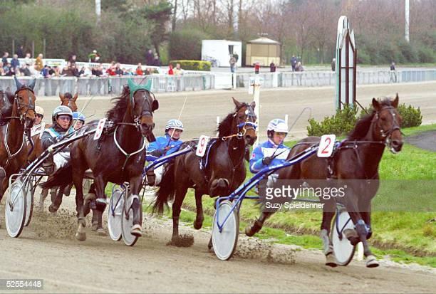Pferdesport / Traben Ostermeeting in Bahrenfeld 2004 Hamburg Hamburger OsterPreis Finale Sieger Patrick DE HAAN auf Go Your Own Way 120404