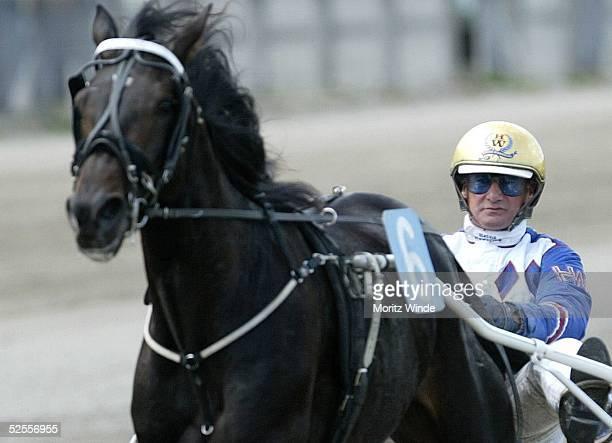 Pferdesport / Trabrennen Mikado Renntag Modell Vorstellung Hamburg Heinz WEWERING 200504