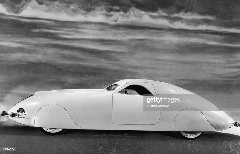 Phantom Corsair sixpassenger coupe designed by American Rust Heinz a member of the family which owned the Heinz food corporation