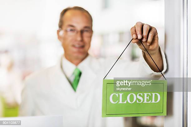 Pharmacy is closed!