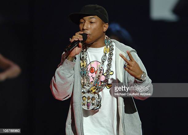Pharrell and Gwen Stefani perform 'Can I Have it Like That'
