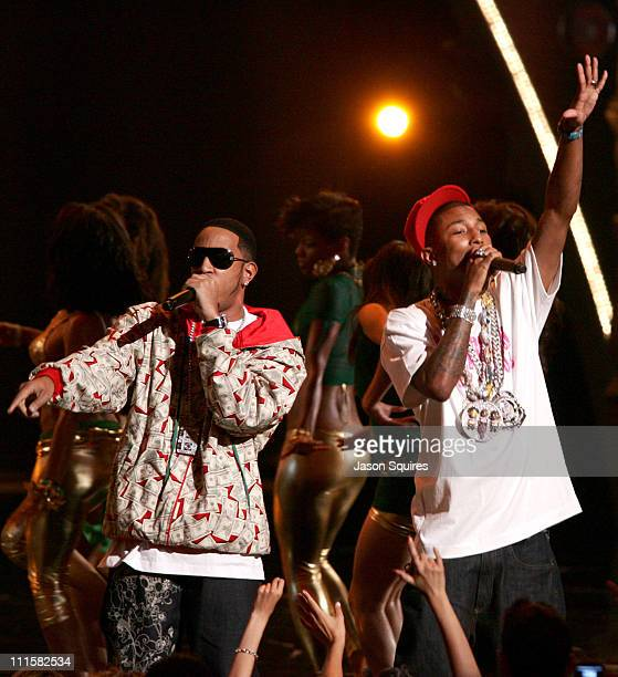 Pharrell and Ludacris perform 'Money Maker' during 2006 MTV Video Music Awards MTVcom Show at Radio City Music Hall in New York City New York United...