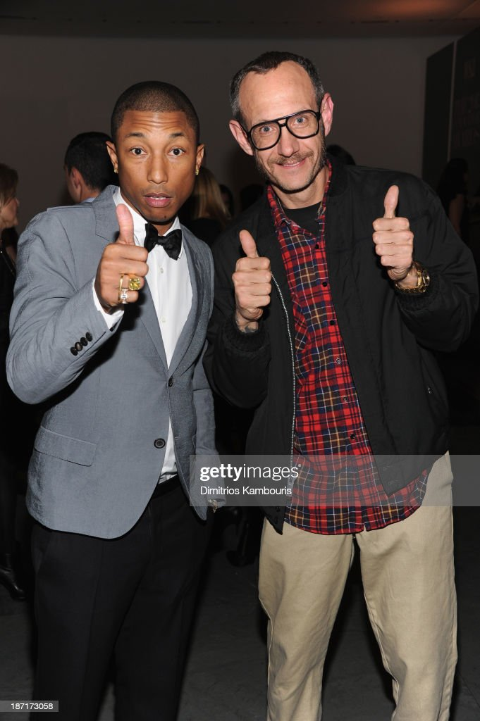 <a gi-track='captionPersonalityLinkClicked' href=/galleries/search?phrase=Pharrell+Williams&family=editorial&specificpeople=161396 ng-click='$event.stopPropagation()'>Pharrell Williams</a> and <a gi-track='captionPersonalityLinkClicked' href=/galleries/search?phrase=Terry+Richardson&family=editorial&specificpeople=758714 ng-click='$event.stopPropagation()'>Terry Richardson</a> attend the WSJ. Magazine's 'Innovator Of The Year' Awards 2013 at The Museum of Modern Art on November 6, 2013 in New York City.