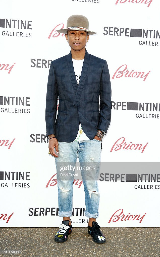 <a gi-track='captionPersonalityLinkClicked' href=/galleries/search?phrase=Pharrell+Williams&family=editorial&specificpeople=161396 ng-click='$event.stopPropagation()'>Pharrell Williams</a> attends the The Serpentine Gallery summer party at The Serpentine Gallery on July 1, 2014 in London, England.