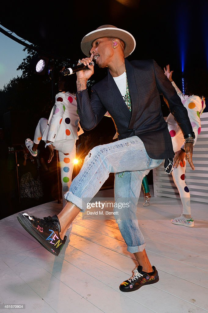 <a gi-track='captionPersonalityLinkClicked' href=/galleries/search?phrase=Pharrell+Williams&family=editorial&specificpeople=161396 ng-click='$event.stopPropagation()'>Pharrell Williams</a> performs at The Serpentine Gallery Summer Party co-hosted by Brioni at The Serpentine Gallery on July 1, 2014 in London, England.