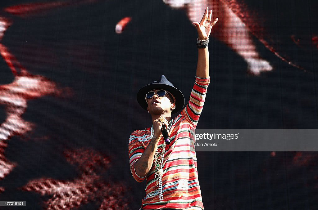 <a gi-track='captionPersonalityLinkClicked' href=/galleries/search?phrase=Pharrell+Williams&family=editorial&specificpeople=161396 ng-click='$event.stopPropagation()'>Pharrell Williams</a> performs live for fans as part of the 2014 Future Music Festival at Royal Randwick Racecourse on March 8, 2014 in Sydney, Australia.