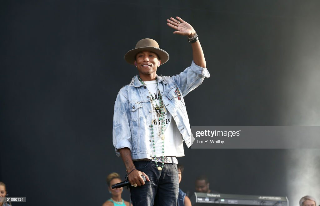 <a gi-track='captionPersonalityLinkClicked' href=/galleries/search?phrase=Pharrell+Williams&family=editorial&specificpeople=161396 ng-click='$event.stopPropagation()'>Pharrell Williams</a> performs on stage at Wireless Festival at Finsbury Park on July 4, 2014 in London, United Kingdom.