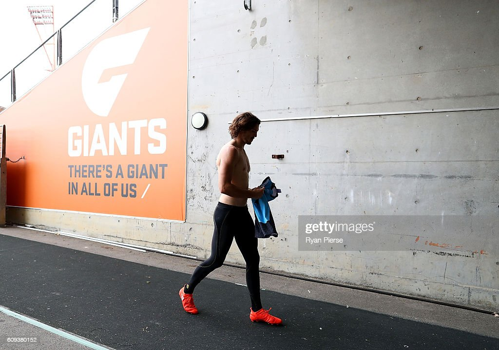 Phil Davis of the Giants leaves the ground during GWS Giants media and training session at Spotless Stadium on September 21, 2016 in Sydney, Australia.